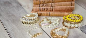 Pearl Bracelets $5.95, shipped