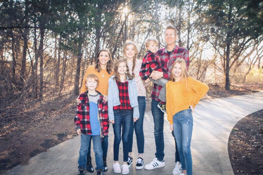 Family Picture 2020   amylovesit.com