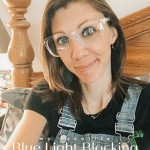 My fave blue light blocking glasses || amylovesit.com